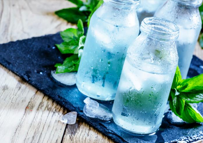 למה חשוב לשתות מים אחרי הלידה?