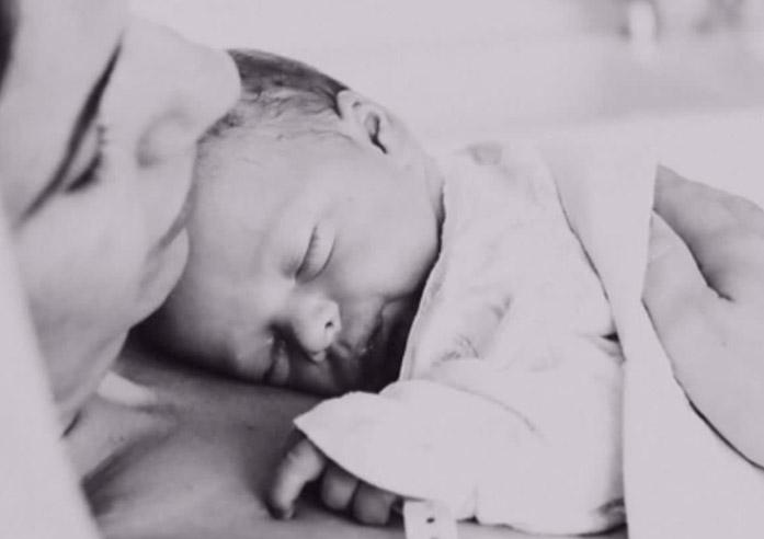 נעה רוזין, מגישת טלוויזיה ויוצרת תוכן קולינארי, ילדה בן  שני (מזל טוב!) ומספרת על חוויית הלידה שלה